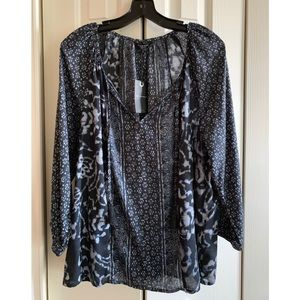 NEW WITH TAGS🍀Lucky Blue Blouse